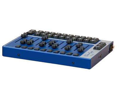 10 Playback Faders & Buttons