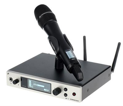 Renowned sound engineers rely on ew 500 G4's flexibility, especially when handling multi-channel settings on the world's music stages. Up to 88 MHz bandwidth, up to 32 channels. Ethernet connection for Wireless Systems Manager (WSM) control software included for advanced frequency coordination in multi-channel setups.